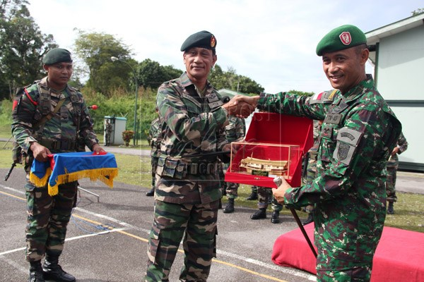 Indonesia, Malaysia hold joint military drill hinh anh 1