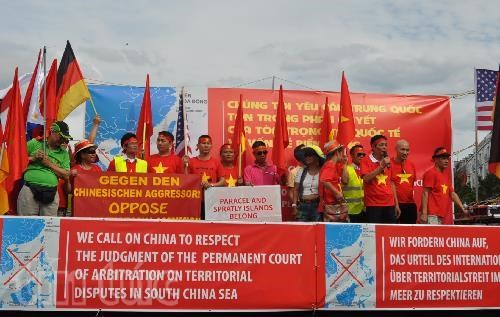 PCA's ruling receives support from overseas Vietnamese hinh anh 1