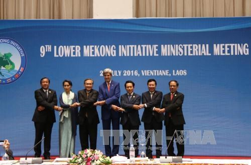 Lower Mekong Ministerial Meeting focuses on infrastructure hinh anh 1