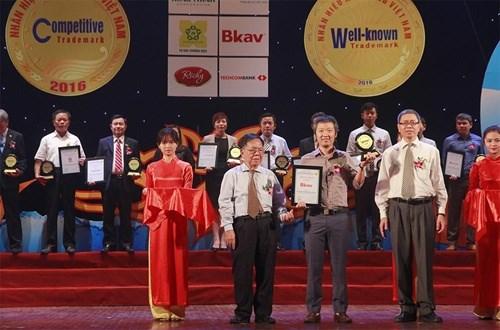 BKAV named top Vietnam technology brand hinh anh 1