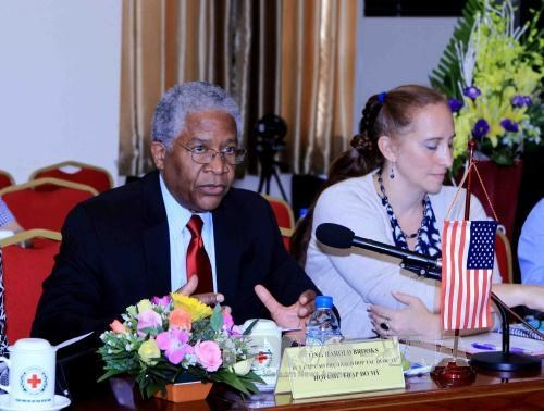 US pledges to assist Vietnam in humanitarian activities hinh anh 1