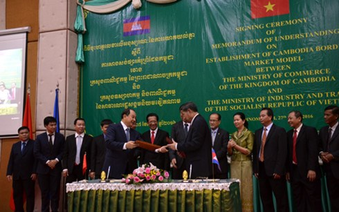 Vietnam, Cambodia to build model border market hinh anh 1