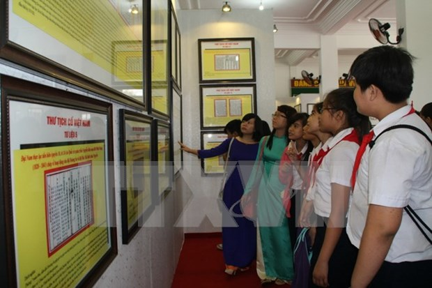 Ha Giang, Thanh Hoa exhibitions highlights VN's island sovereignty hinh anh 1