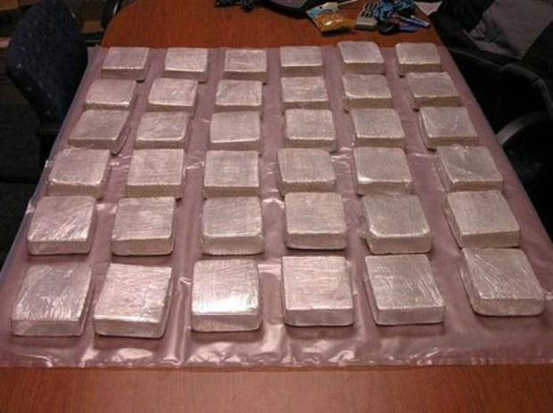 Heroin smuggler arrested in Dien Bien hinh anh 1