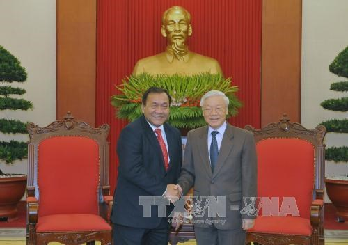 Party chief bids farewell to Cambodian ambassador hinh anh 1