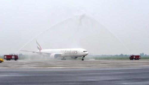 Emirates launches flight to Yangon, Hanoi hinh anh 1