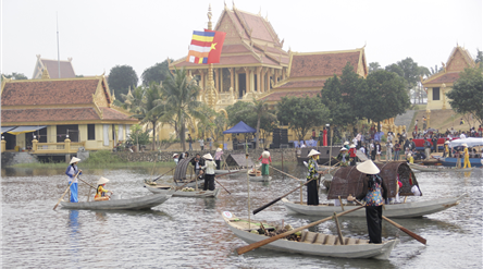 Khmer culture on display in Hanoi hinh anh 1