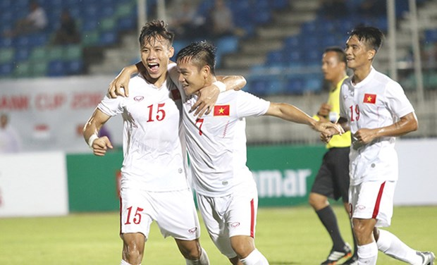 Japanese company to continue sponsoring VN national football team hinh anh 1