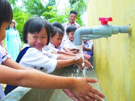 Clean water supply to reach at least 95 percent of population by 2025 hinh anh 1
