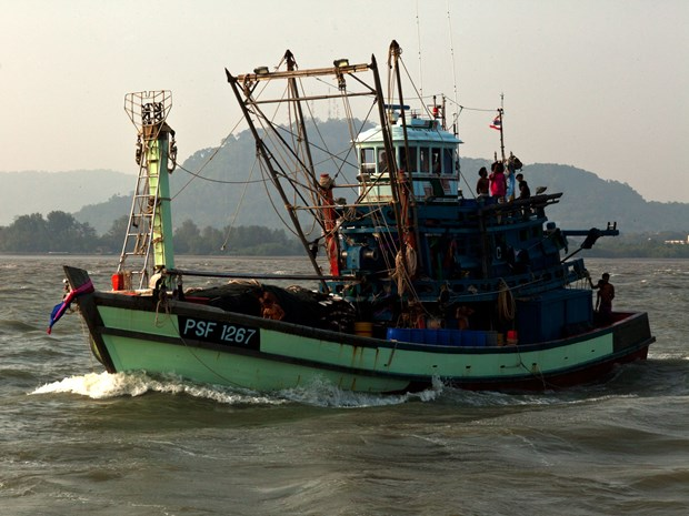 Myanmar seizes illegal Thai fishing boat hinh anh 1