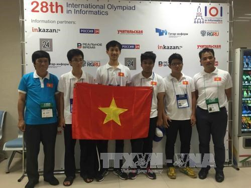 Vietnam gets best-ever result at IOI 2016 hinh anh 1