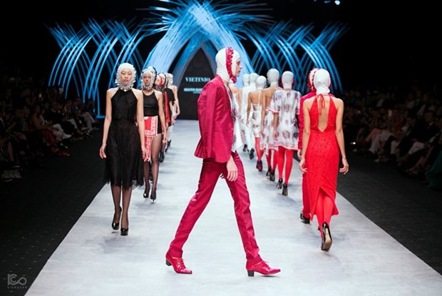 Int'l autumn-winter fashion week to open in Hanoi hinh anh 1