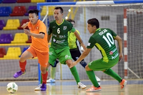 Vietnam beat Spanish club in friendly match hinh anh 1