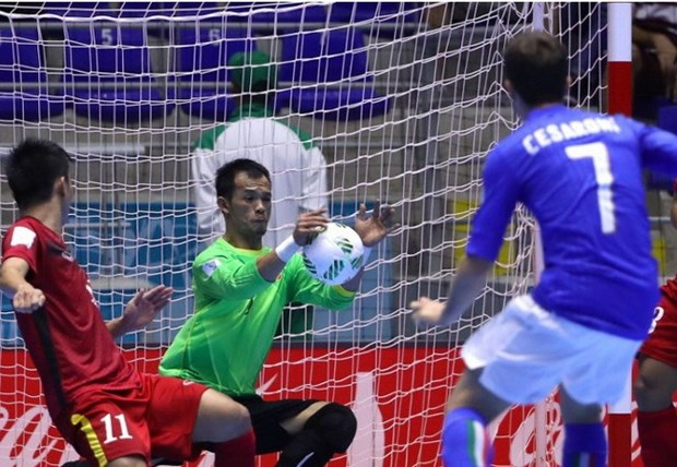 Futsal World Cup: Vietnam reach knockout stage hinh anh 1