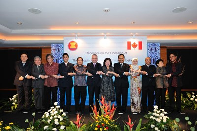 ASEAN economic outlook introduced in Canada hinh anh 1