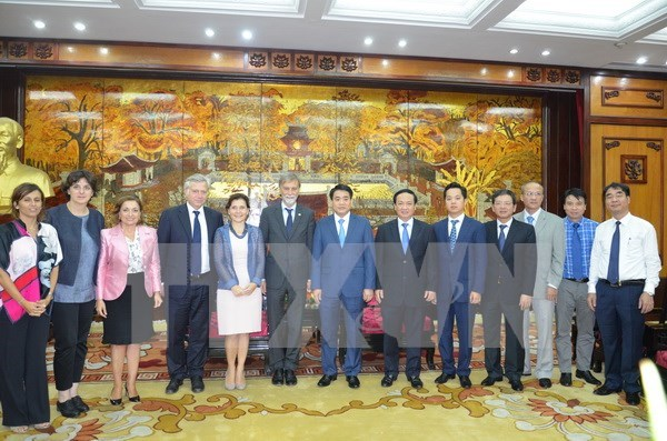 Hanoi, Italy cooperate to develop transport infrastructure hinh anh 1