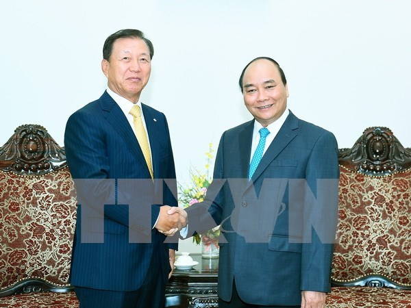 PM welcomes RoK's groups to invest in Vietnam hinh anh 1