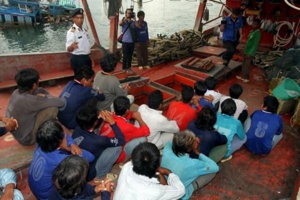 Malaysia arrests 20 Vietnamese fishermen hinh anh 1