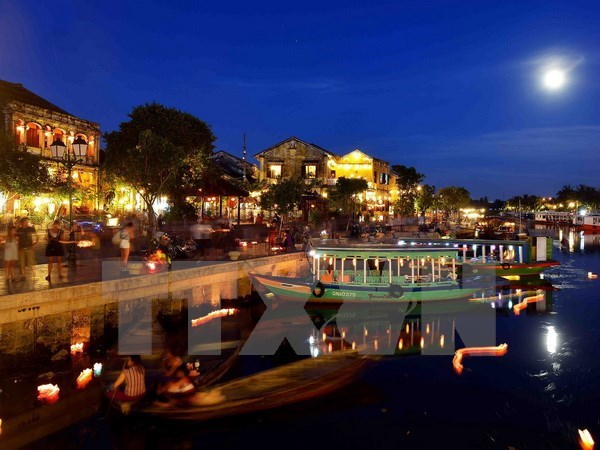 Quang Nam: Hoi An begins solar electricity-fueled lighting project hinh anh 1