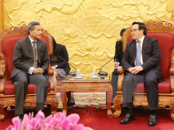 Party external relations official hosts Singaporean Foreign Minister hinh anh 1