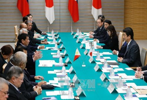 Japan seeks closer economic, security ties with Philippines hinh anh 1