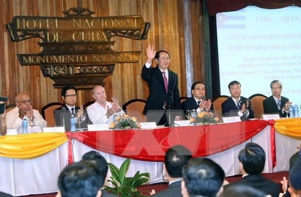 President wraps up Cuba visit, flies to Peru for APEC week hinh anh 1