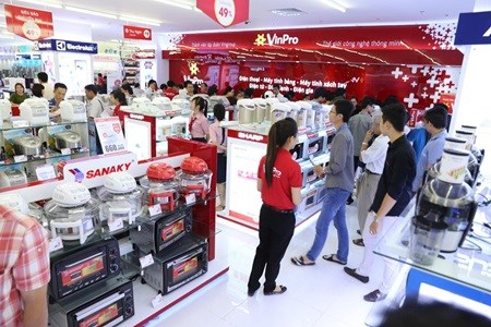 Retailers should focus on services: experts hinh anh 1