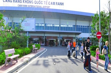 Investors want to back Cam Ranh airport hinh anh 1