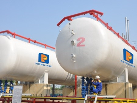 Petrolimex reports 172 percent rise in profits hinh anh 1