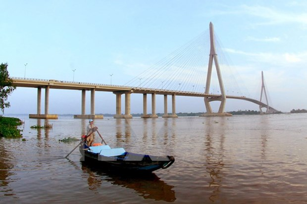 Can Tho river signs to reduce speeds, erosion hinh anh 1