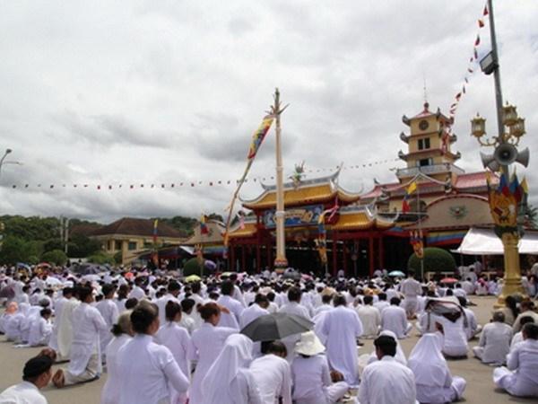 Cao Dai Church promotes dignitaries' solidarity hinh anh 1