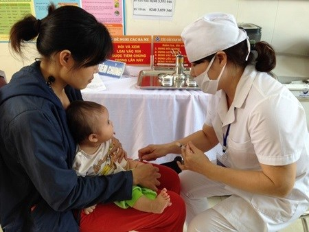 Vaccines under national programme are safe: official hinh anh 1