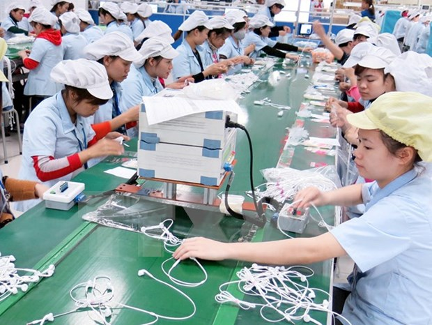 Vietnam's economic recovery on track during eight months: ministry hinh anh 1
