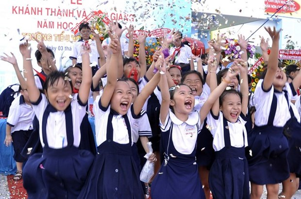 Hanoi targets safe commute for first day of school hinh anh 1