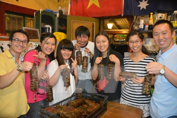 Gala heats up enthusiasm of Vietnamese students in Australia hinh anh 1