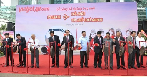 Vietjet launches new domestic routes hinh anh 1