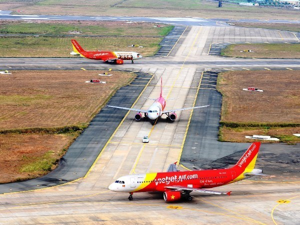 "Vietjet launches ""early bird"" promotion for New Year holiday hinh anh 1"