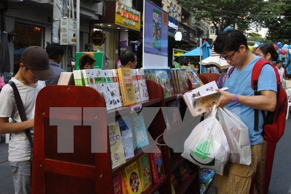 Vietnam international book exhibition opens in Hanoi hinh anh 1