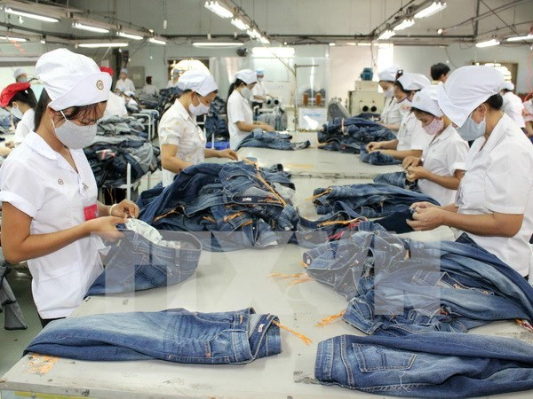 Thai garment, footwear firms boost investment in Vietnam hinh anh 1