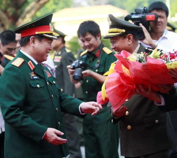 Cambodia seeks deeper defence ties with Vietnam hinh anh 1