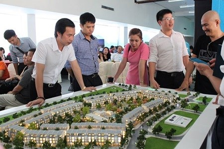 Money poured into resorts hinh anh 1