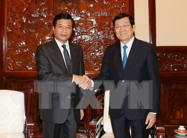 Outgoing Lao Ambassador vows to nurture relations with Vietnam hinh anh 1