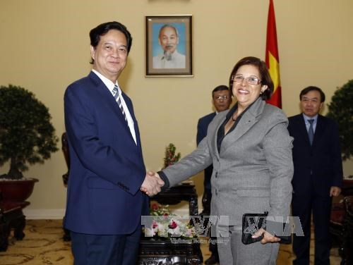 Cabinet leader welcomes Cuban Minister of Finance hinh anh 1