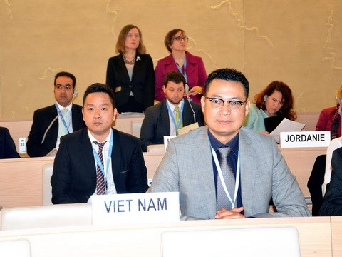 Vietnam vows to ensure children's rights hinh anh 1