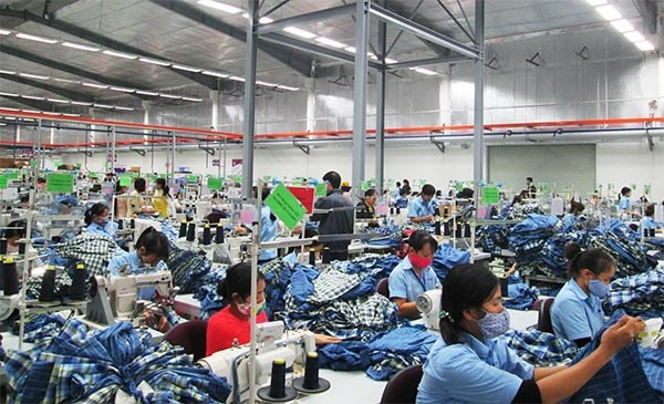 HanesBrands plans increase in Vietnam investment hinh anh 1