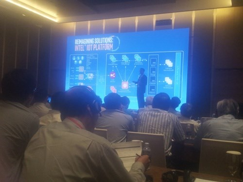 More than 70 firms attend Internet of Things summit hinh anh 1