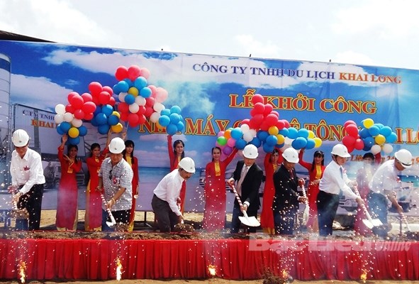 Work starts on concrete pile factory in Mekong Delta hinh anh 1