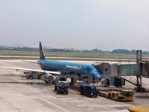 Typhoon Dujuan affects Vietnam Airlines flights hinh anh 1