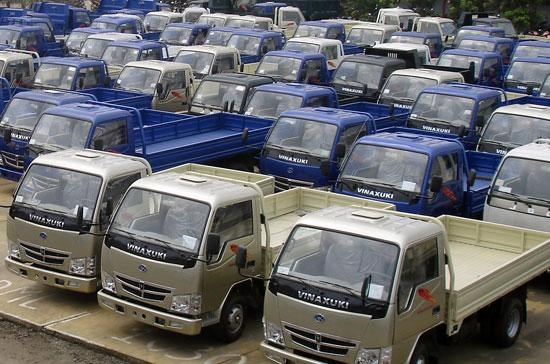 Ministry of Finance mulls import tax on trucks hinh anh 1