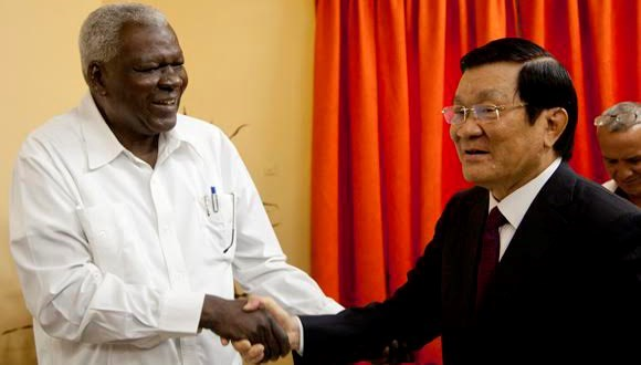 Vietnam resolved to deepen ties with Cuba: State President hinh anh 1